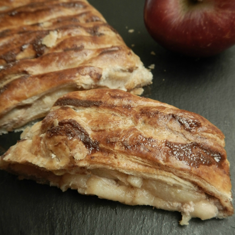 apple-cinnamon-mascarpone-pie-danish